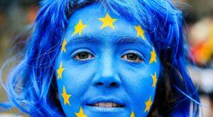 Unijny ból głowy polskiej prawicy