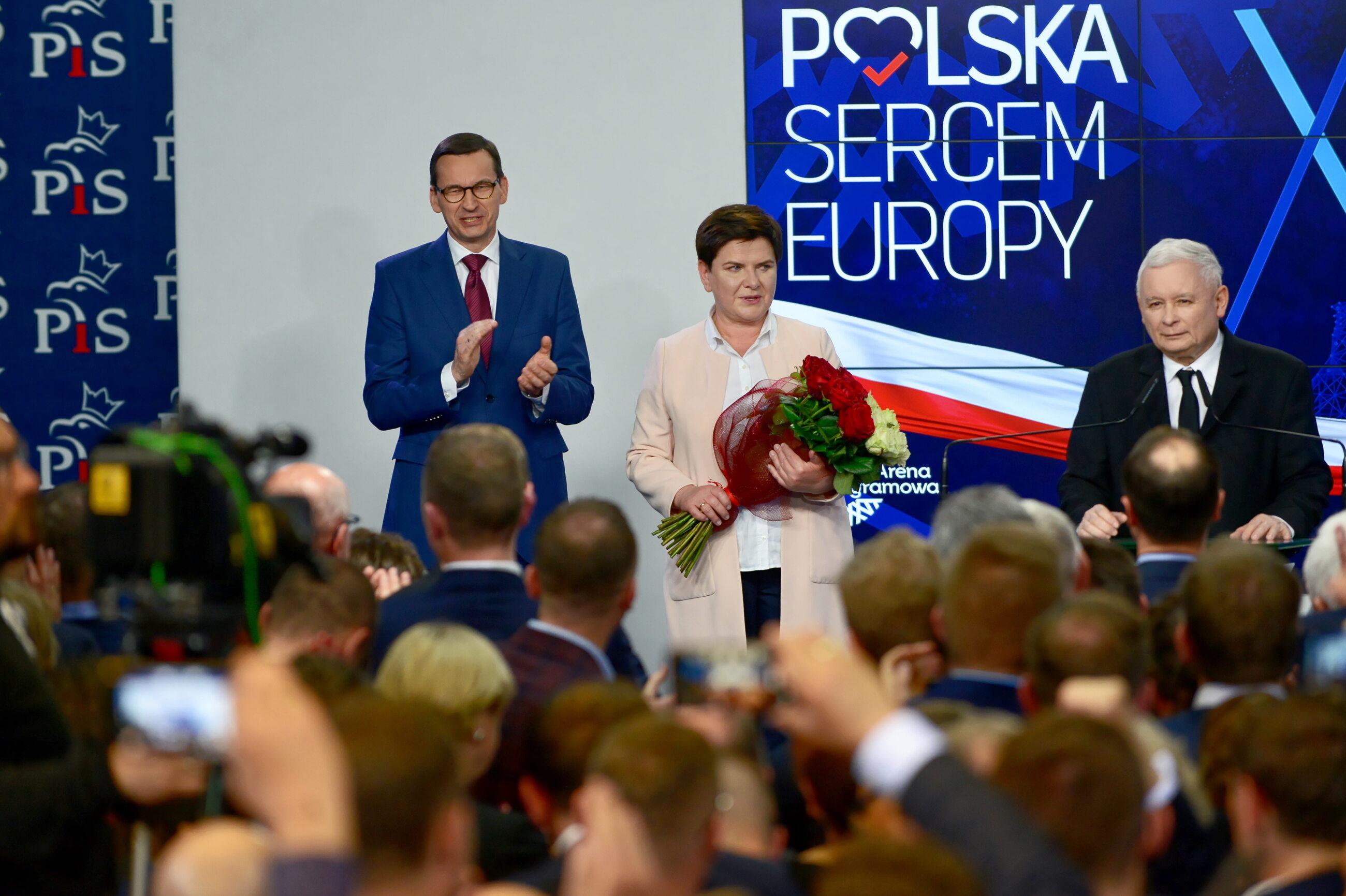 Premier Mateusz Morawiecki, wicepremier Beata Szydło i Jarosław Kaczyński